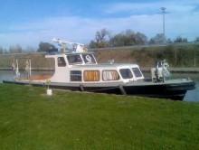 Photo bateau service 14.90 m  90  cv V6