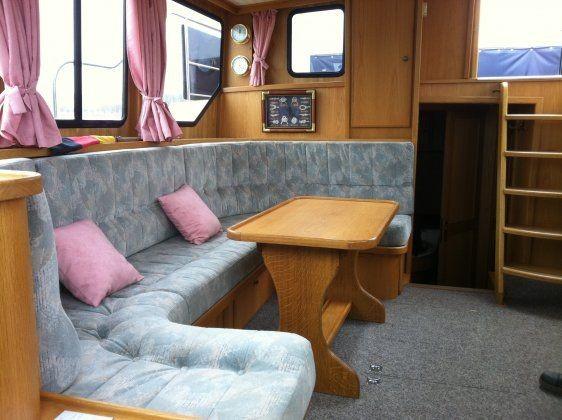 a vendre vedette avec cabine arriere 12m 159 cv bateaux et p niches vendre sur. Black Bedroom Furniture Sets. Home Design Ideas