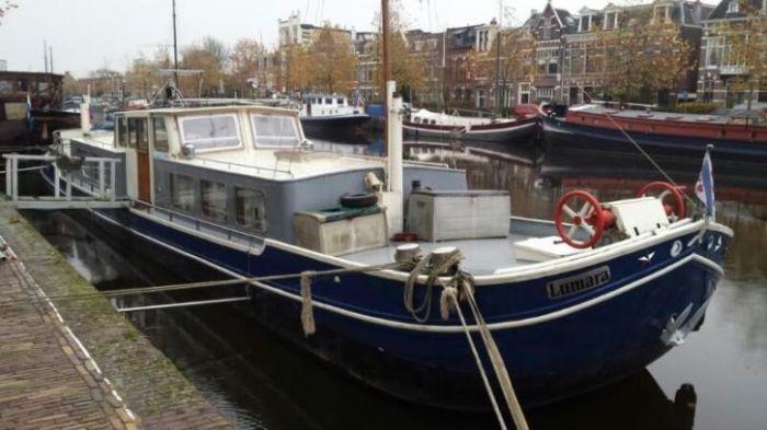 peniches vendre moteur bateau occasion. Black Bedroom Furniture Sets. Home Design Ideas