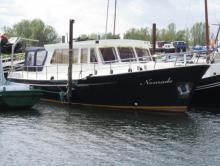 Photo Vedette  mer/ riviere  13.50m   2 x 75cv